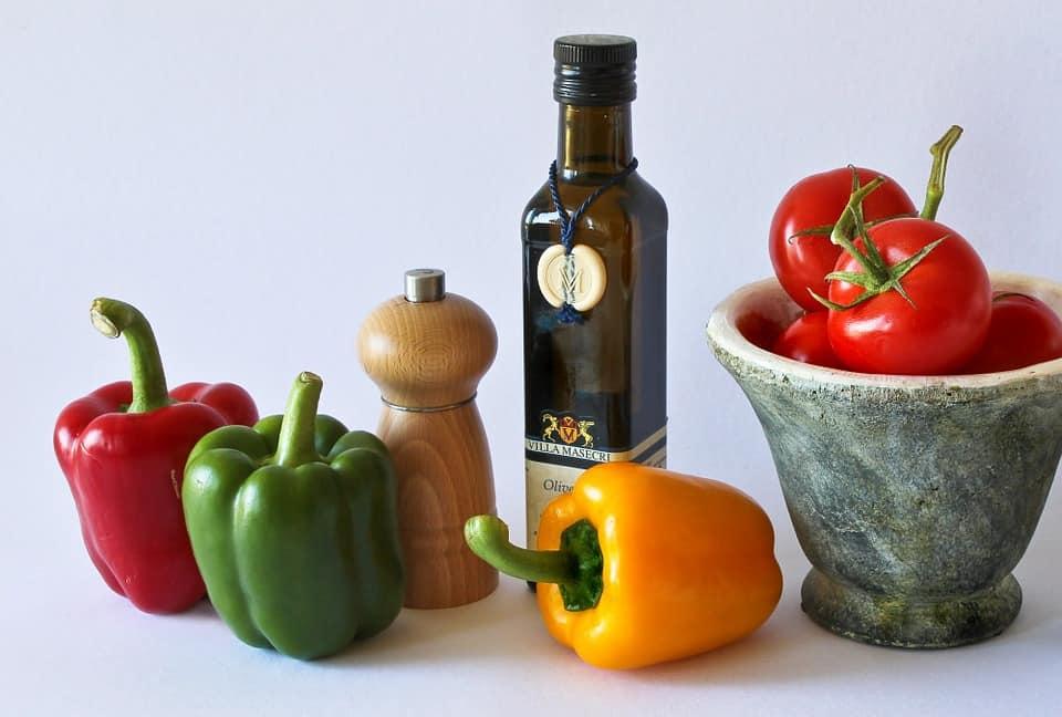orijinal zeytinyağı, zeytinyağı rengi nasıl olmalı, zeytinyağı tadımı, zeytinyağı kokusu, doğru zeytinyağı nasıl seçilir,